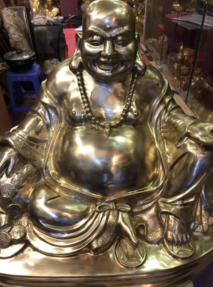 Cơ sở đúc tượng Phật Di Lặc,