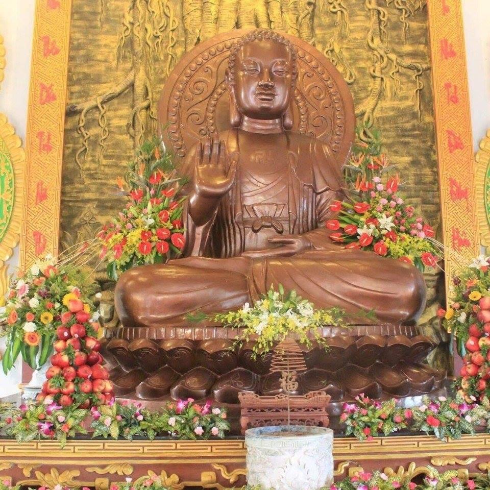Gía Đúc tượng Phật bằng  đồng,