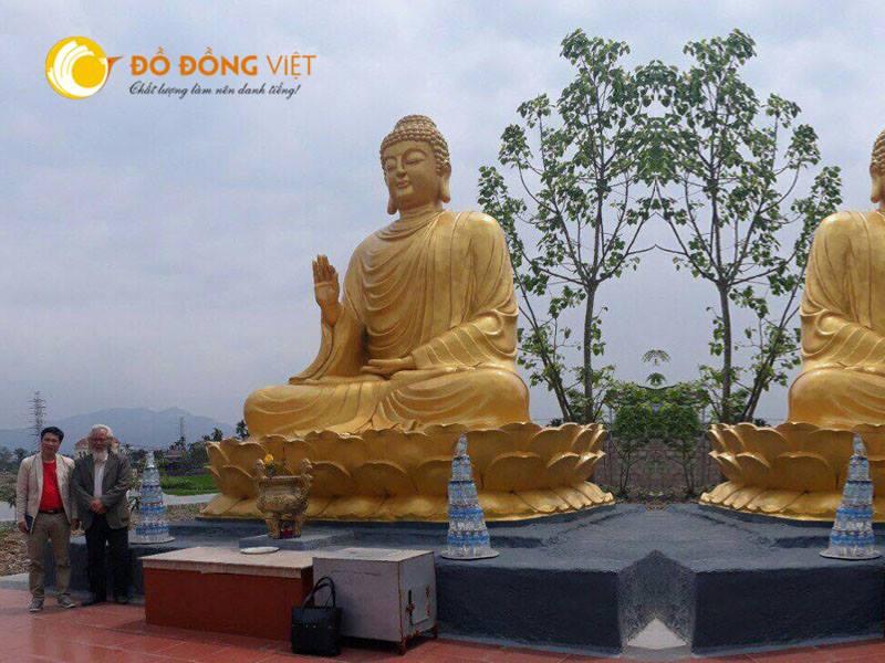 Đúc tượng Phật đồng cung tiến nhà chùa