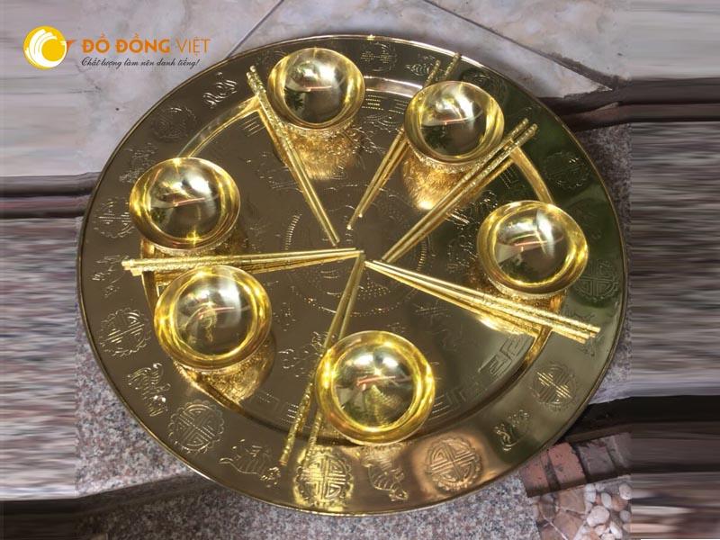 Mâm đồng, bát cơm bằng đồng, đũa đồng thờ cúng