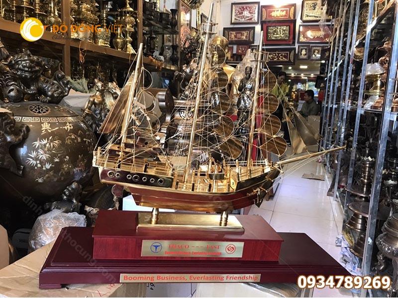 Mô hình thuyền buồm bằng đồng phong thuỷ