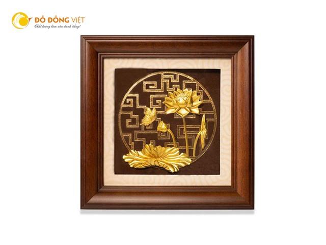 Tranh hoa sen dát vàng quà tặng cao cấp tại Đồ đồng Việt