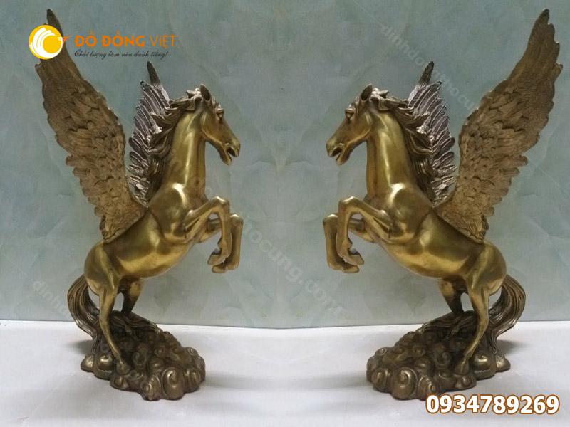 Tượng ngựa bằng đồng có cánh trấn phong thuỷ