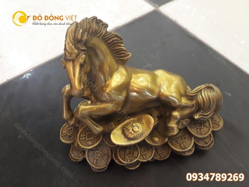 Tượng ngựa bằng đồng phong thủy dai 20cm