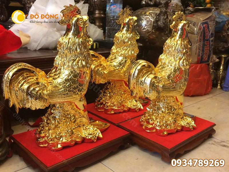 tượng gà bằng đồng mạ vàng