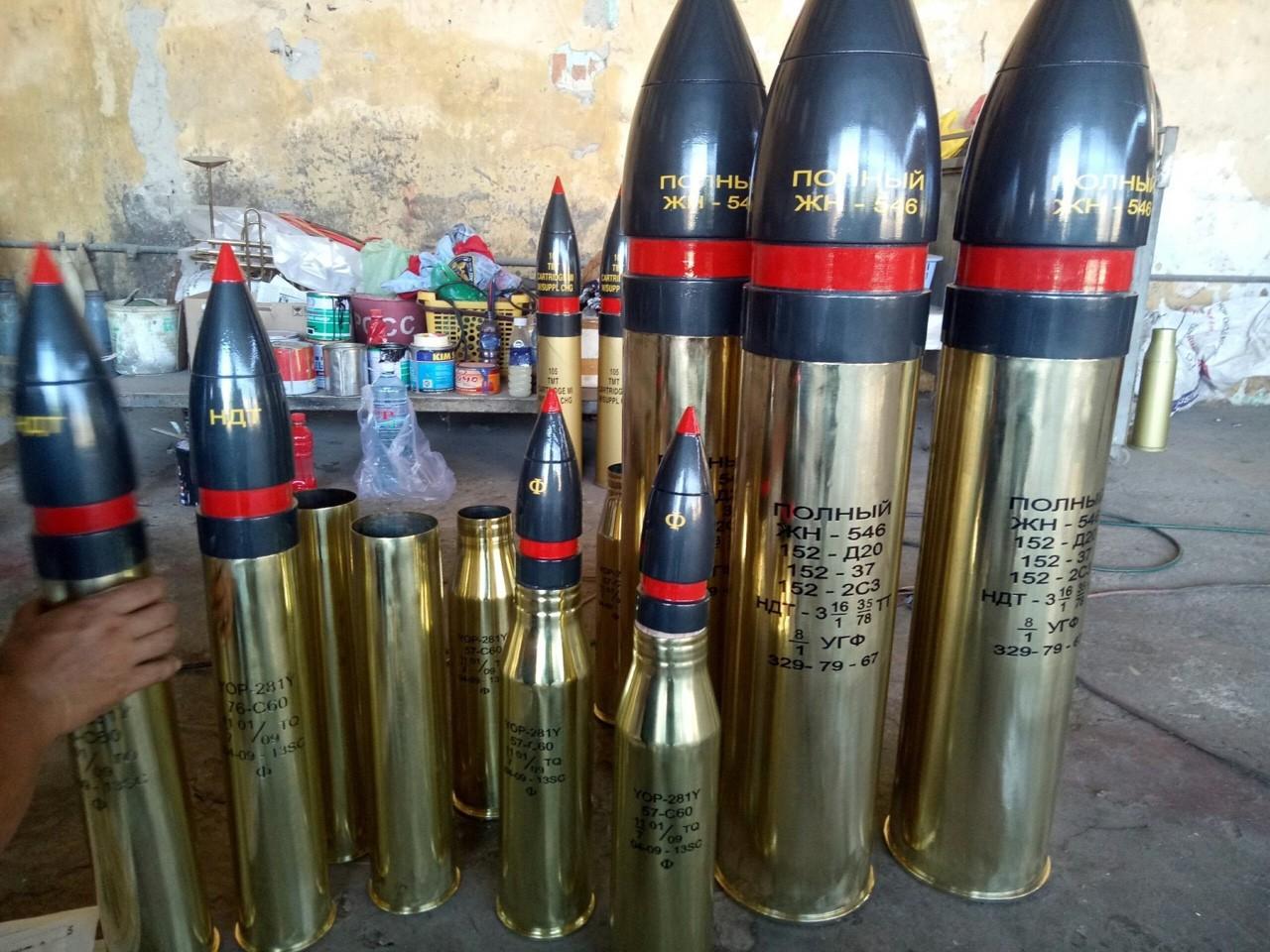 Bán vỏ đạn pháo bằng đồng tại Sài Gòn