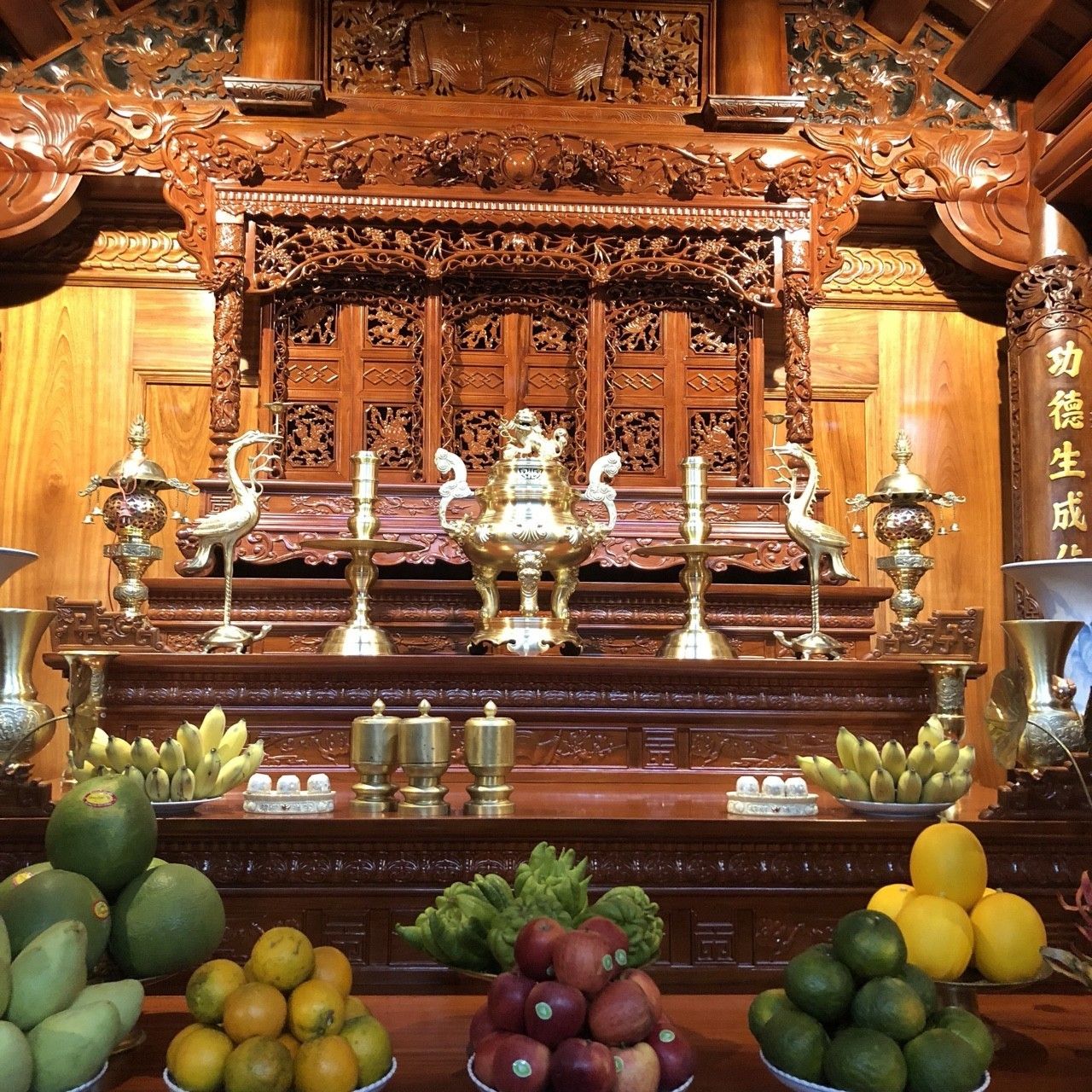 Bộ đỉnh đồng vàng cao 60 cm, bộ ngũ sự đồng vàng cho ban thờ 1m97