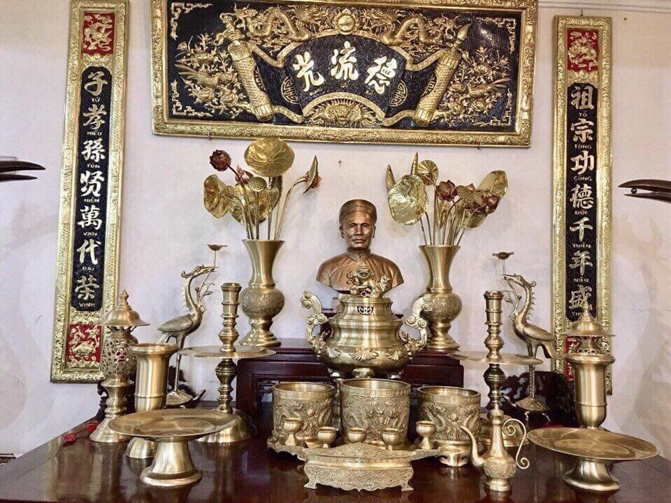 Bộ đồ thờ đầy đủ phụ kiện bằng đồng vàng, giá bán đồ thờ bằng đồng