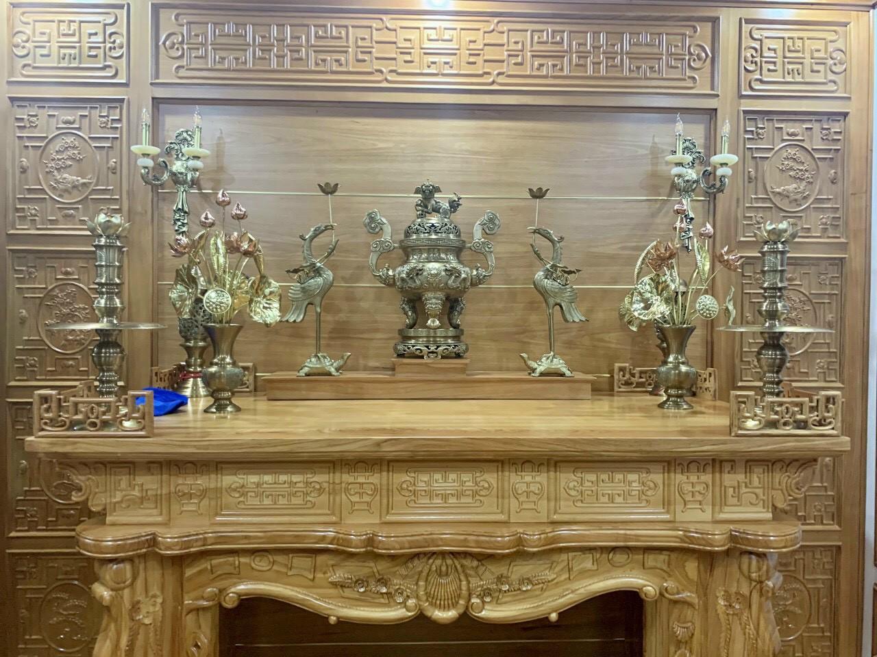 Bộ lư đồng  thờ cúng  gia tiên bằng đồng vàng đẹp