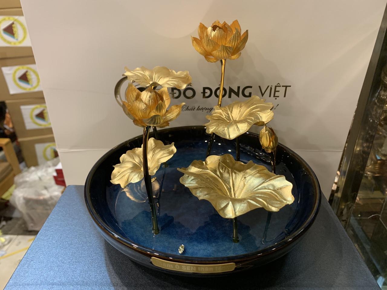 Chậu hoa sen vàng bằng đồng mạ vàng 24k