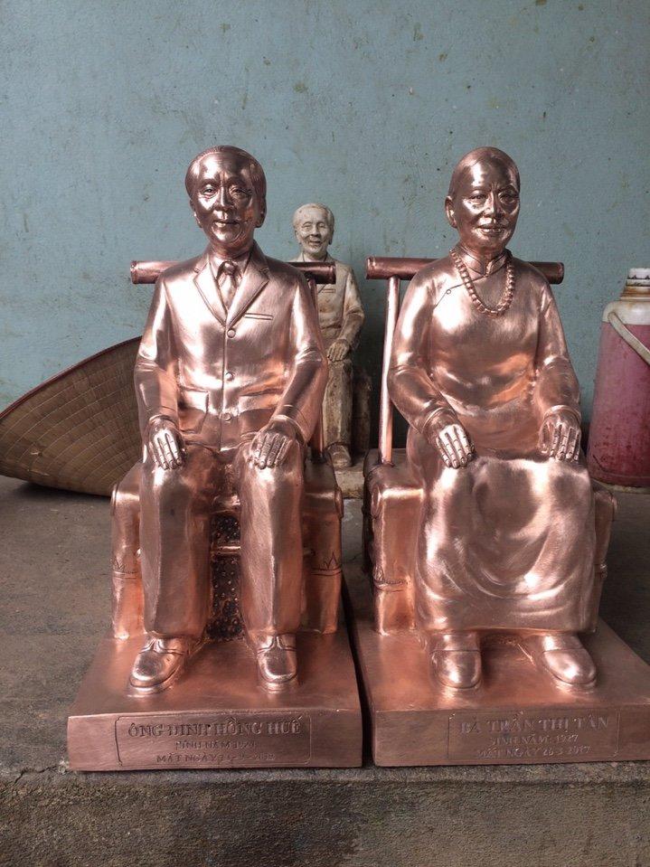 Cơ sở Đồ đồng Việt chế tác đúc tượng chân dung bằng đồng tại Sài Gòn