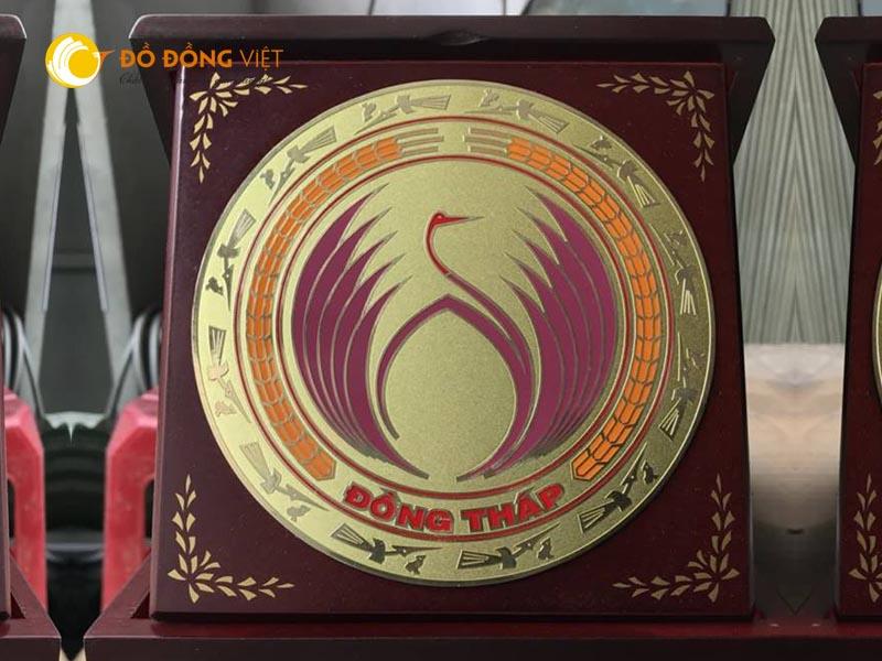 Công ty làm logo, cup biểu trưng lưu niệm, Cup vinh danh tại TP HCM