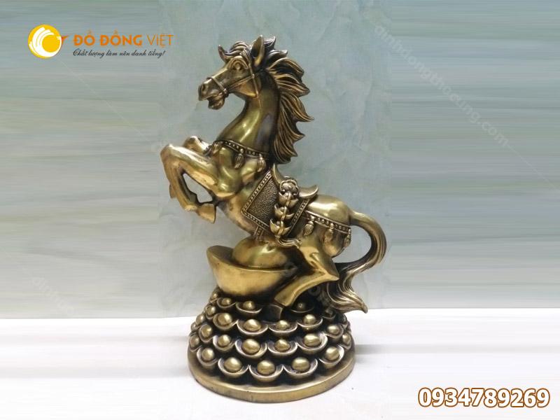 Cửa hàng bán tượng ngựa bằng đồng tại TP HCM