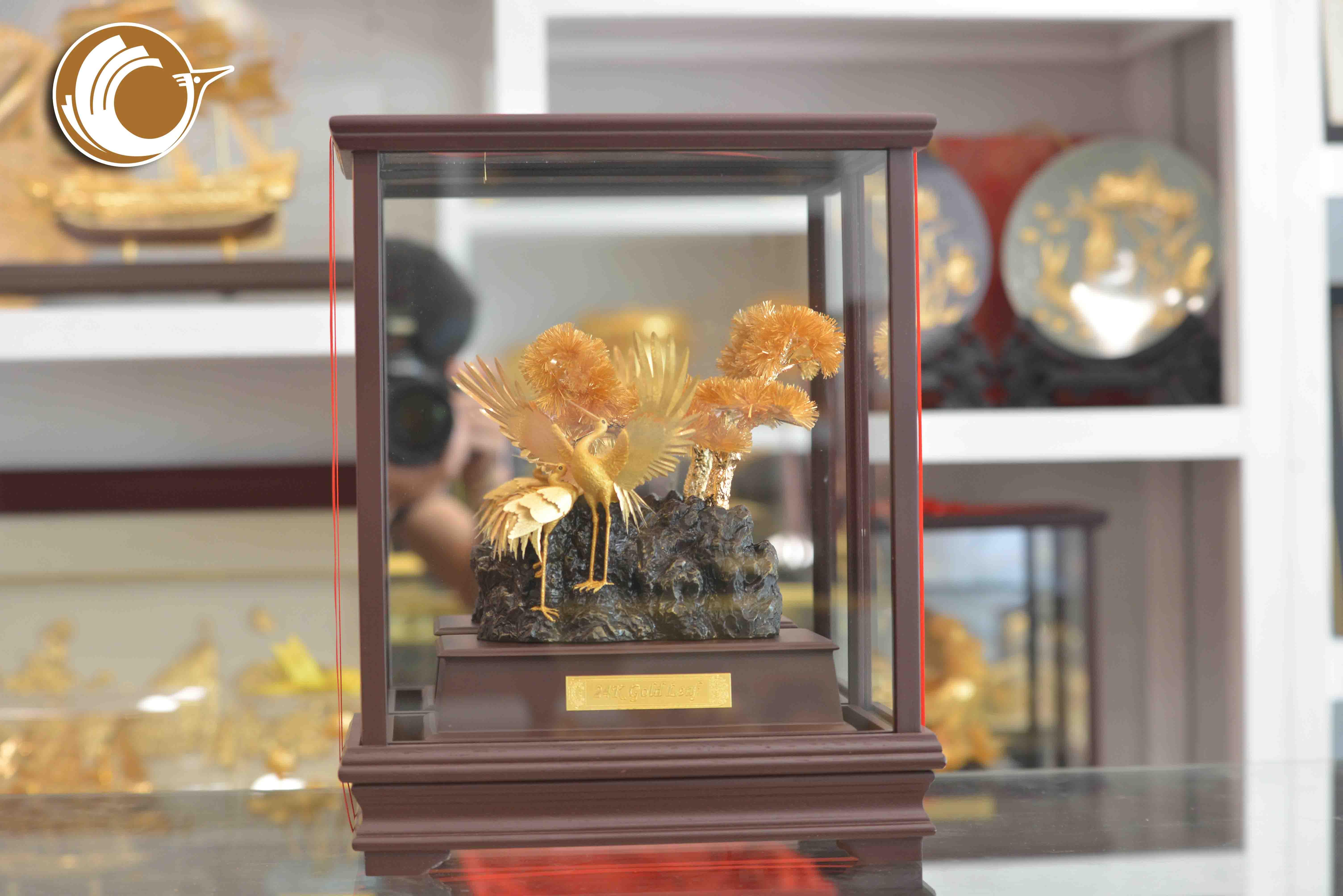 Địa chỉ bán biểu trưng chim hạc bằng đồng mạ vàng