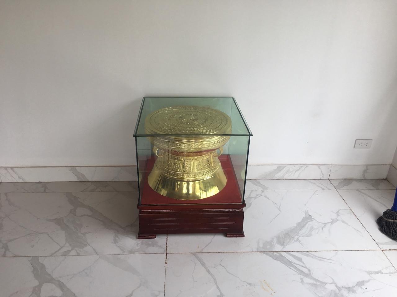 Địa chỉ bán trống đồng quà tặng mạ vàng đẹp tinh xảo từng chi tiết