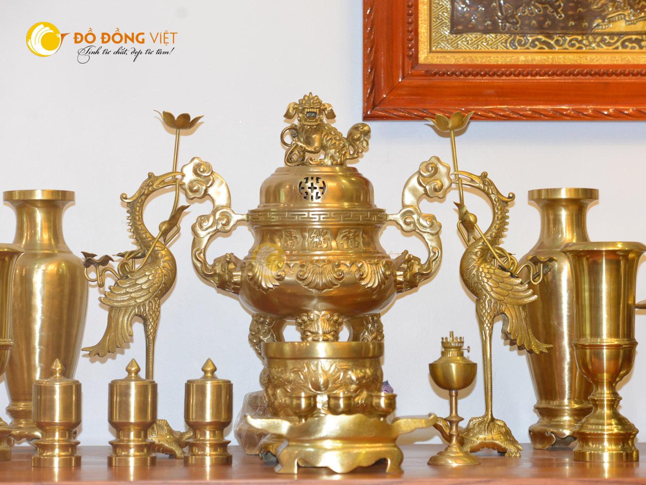 Đỉnh đồng thờ cúng bộ đầy đủ cho bàn thờ gia tiên kích thước 60cm