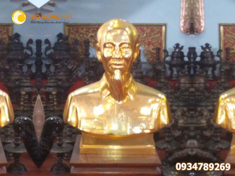 Đúc tượng bác Hồ dát vàng