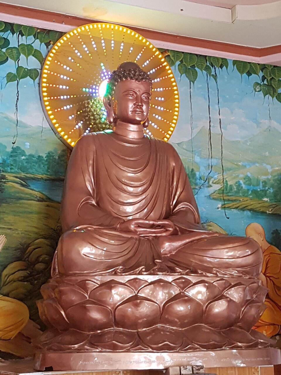 Đúc tượng Phật thích ca bằng đồng đỏ theo yêu cầu