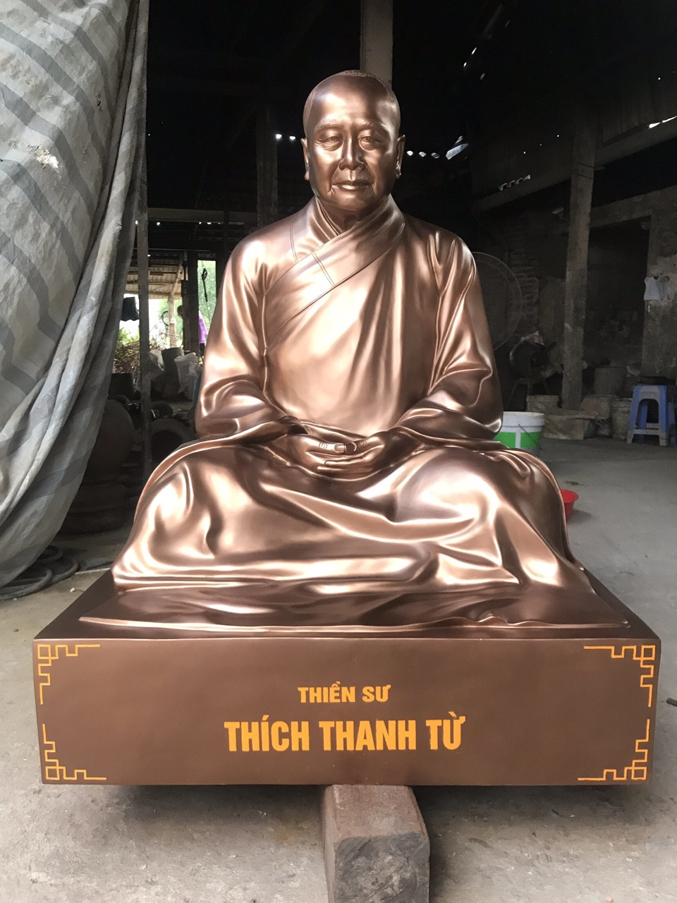 Đúc tượng thiền sư Thích Thanh Từ bằng đồng đỏ