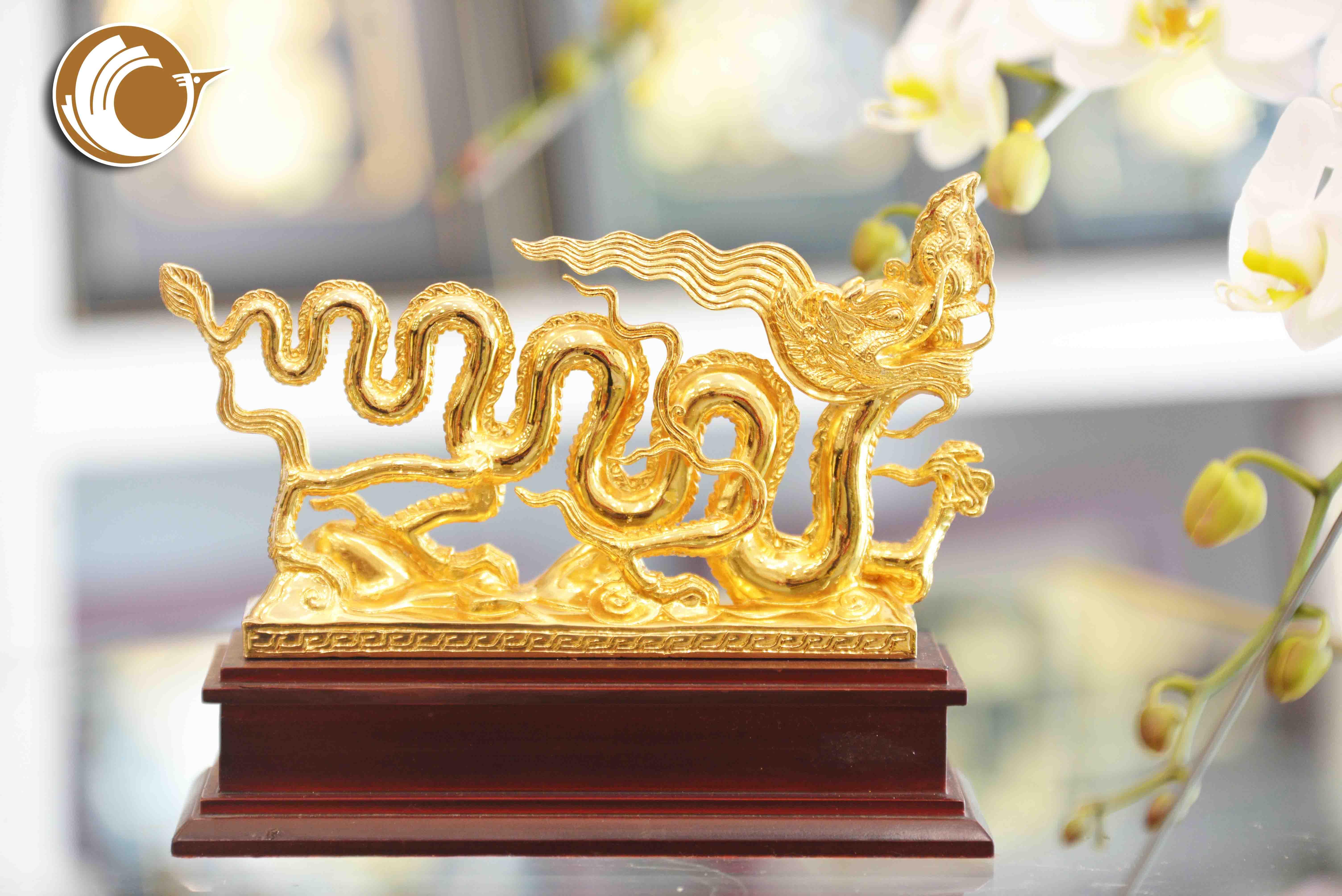 Giá bán biểu tượng rồng thời Lý mạ vàng đẹp