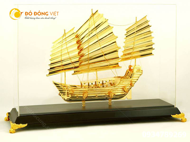 Giá bán thuyền buồm quà tặng lưu niệm