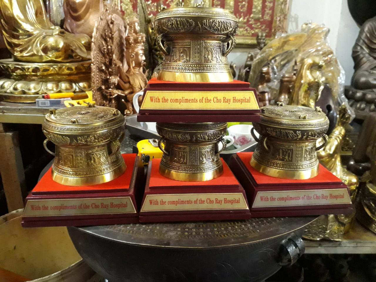 Giá bán trống đồng quà tặng, trống đồng Đông Sơn thu nhỏ làm quà lưu niệm