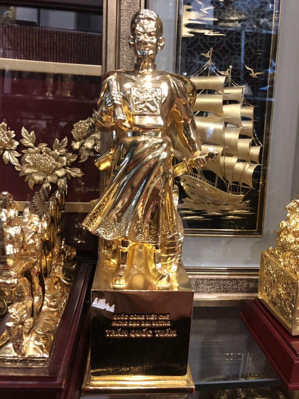 Giá bán tượng Trần Quốc Tuấn mạ vàng, tượng đồng danh nhân mạ vàng