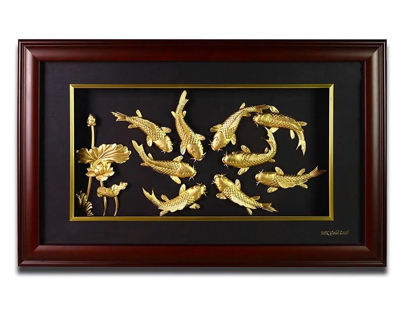 Mẫu tranh cá chép hoa sen vàng lá 24k đẹp
