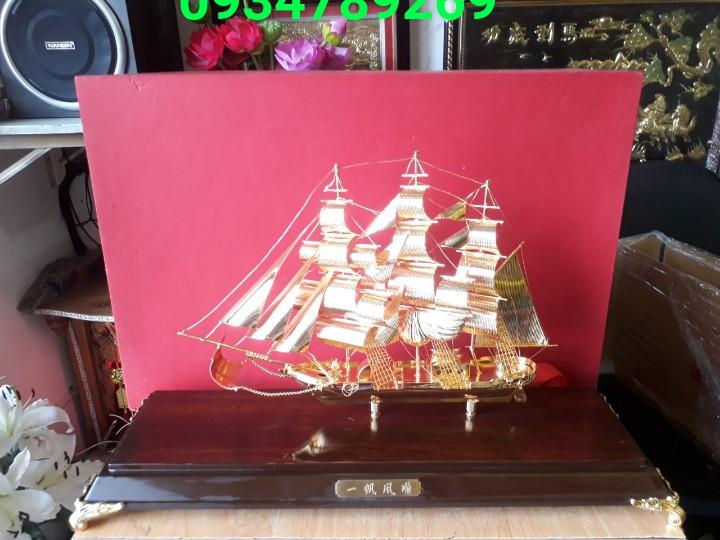 Mô hình quà tặng thuyền buồm mạ vàng đẹp , quà tặng sếp