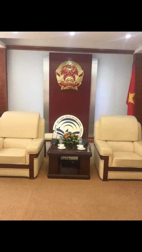 Quốc Huy Việt Nam Bằng Đồng Cao Cấp