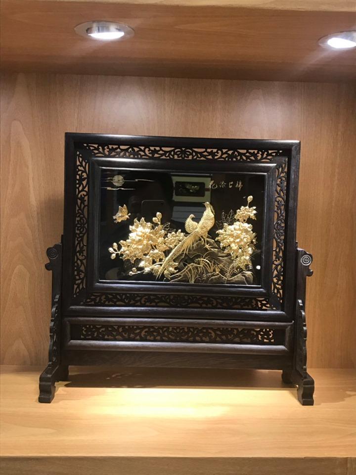 Tranh Chim Công Vàng Lá 24K - quà tặng sang trọng và ý nghĩa