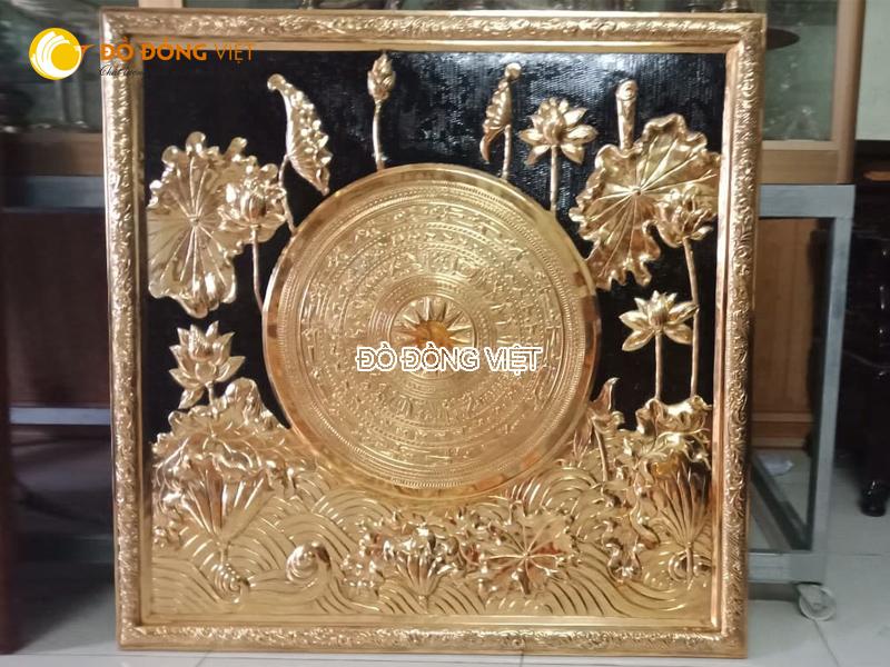 Tranh mặt trống đồng hoa sen đẹp tinh xảo từng chi tiết