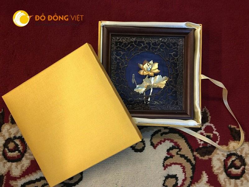 Tranh sen bằng đồng mạ vàng, quà tặng đồ đồng