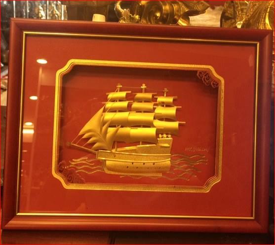Tranh thuyền buồm mạ vàng quà tặng lưu niệm