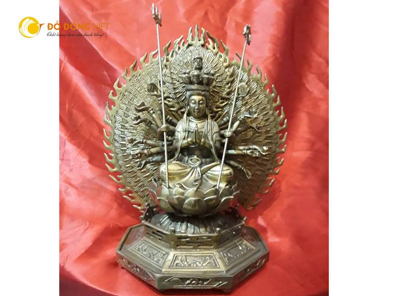 Tượng Phật nghìn mắt nghìn tay,