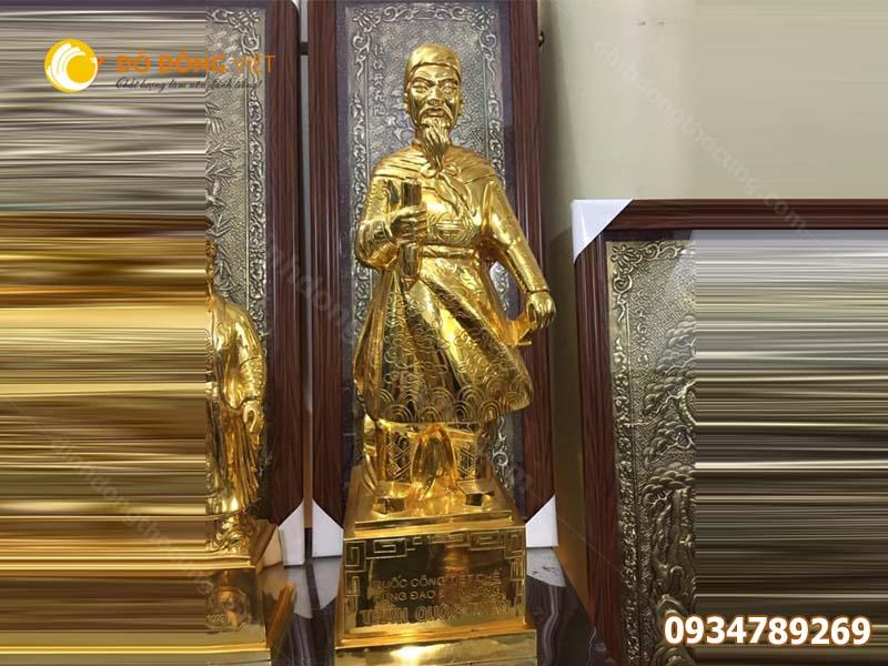 Tượng Trần Quốc Tuần bằng đồng mạ vàng cao 30cm